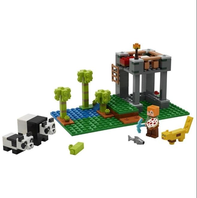 Lego Minecraft Playset A Creche dos Pandas 204 Peças 21158