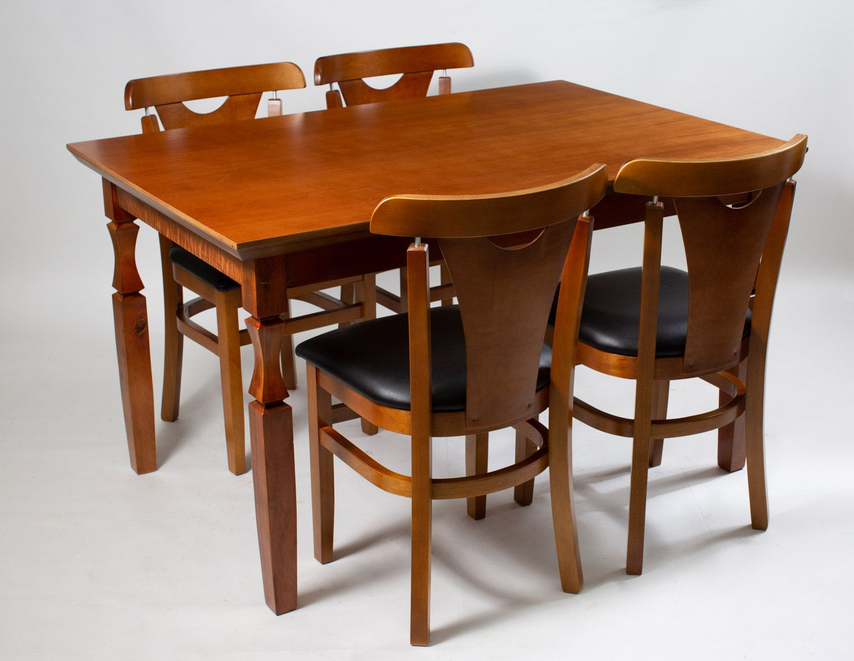 Jogo Mesa Retangular com 4 Cadeiras par Área de Churrasqueira