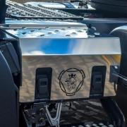 Acabamento Inox Tampa Caixa Bateria para Scania NTG 2020