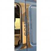 Aplique Inox Coluna da Porta para Caminhão Scania 112 / 113 / 142 / 143