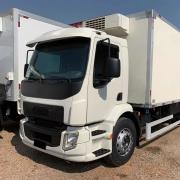 Estribo Cabine para Caminhão Volvo Vm 2006 á 2019 Lado Esquerdo com Sinaleira