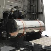 Kit Tanque Cela para Caminhão Completo Arla ou Diesel Aço Inox 190 Litros Plataforma