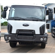 Moldura Acabamento Farol Para-choque para Ford Cargo após 2012 Traçado Lado Esquerdo
