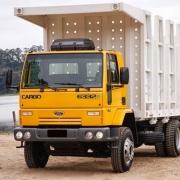 Moldura Superior Para-Choque Dianteiro para Caminhão Ford Cargo Até 2011 Traçado