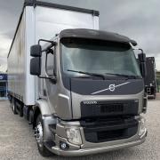 Par Acabamento Para-Choque Volvo VM 2014 á 2019 Com abertura para Farolete + 2 Faroletes LED