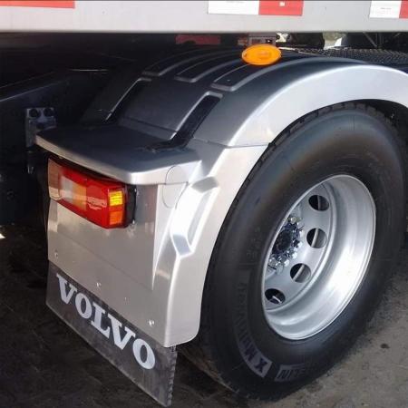 Par Para-Lama Traseiro Lanterna para Caminhão Volvo Fh após 2015