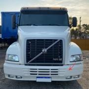 Par Tampa Acabamento Para-Choque Dianteiro Para Caminhão Volvo NH 2000 á 2003
