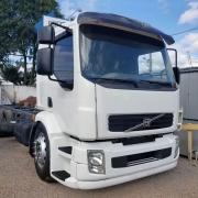 Tampa Acabamento Para-Choque Dianteiro para Caminhão Volvo Vm até 2010 Lado Esquerdo