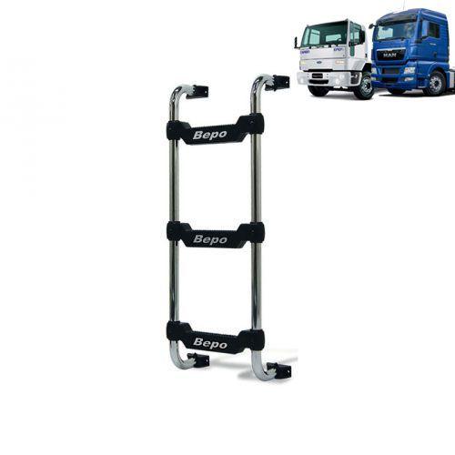 Escada Traseira para caminhão Ford Cargo até 2010 e caminhão MAN TGX até 2016 Curta Preta