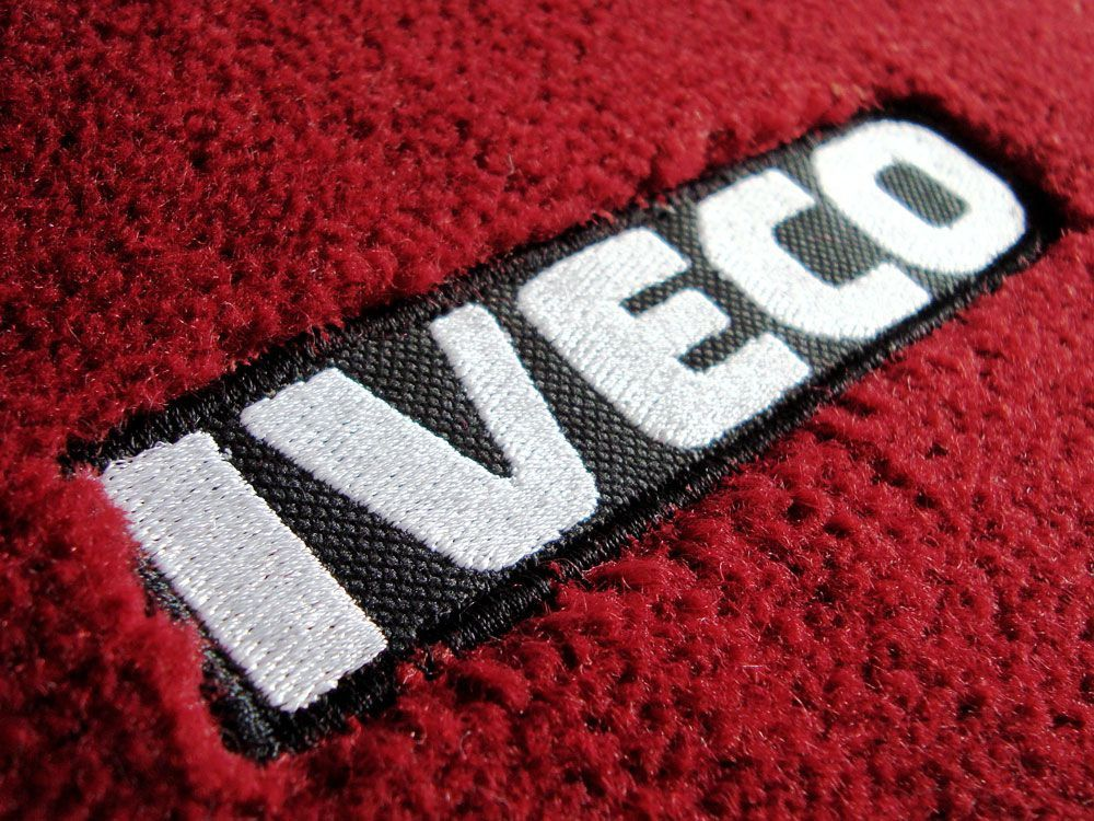 Jogo de tapetes para caminhão Iveco Stralis Carpete Luxo