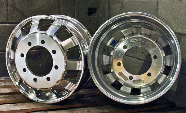 Kit 2 Rodas de Alumínio Caminhão Speedline Aro 22,5 X 8,25 8 Furos
