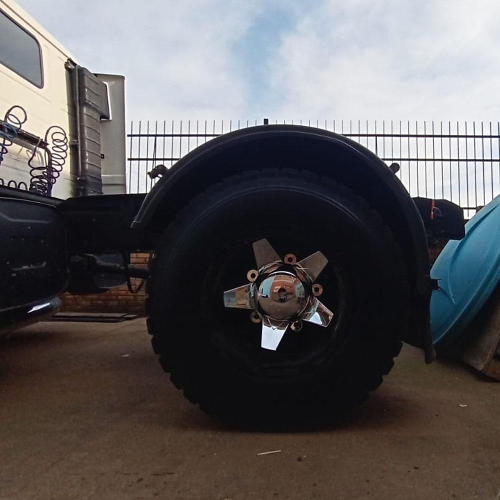 Par Cubo Enzo para Calota Traseira Caminhão Roda Aro 22,5