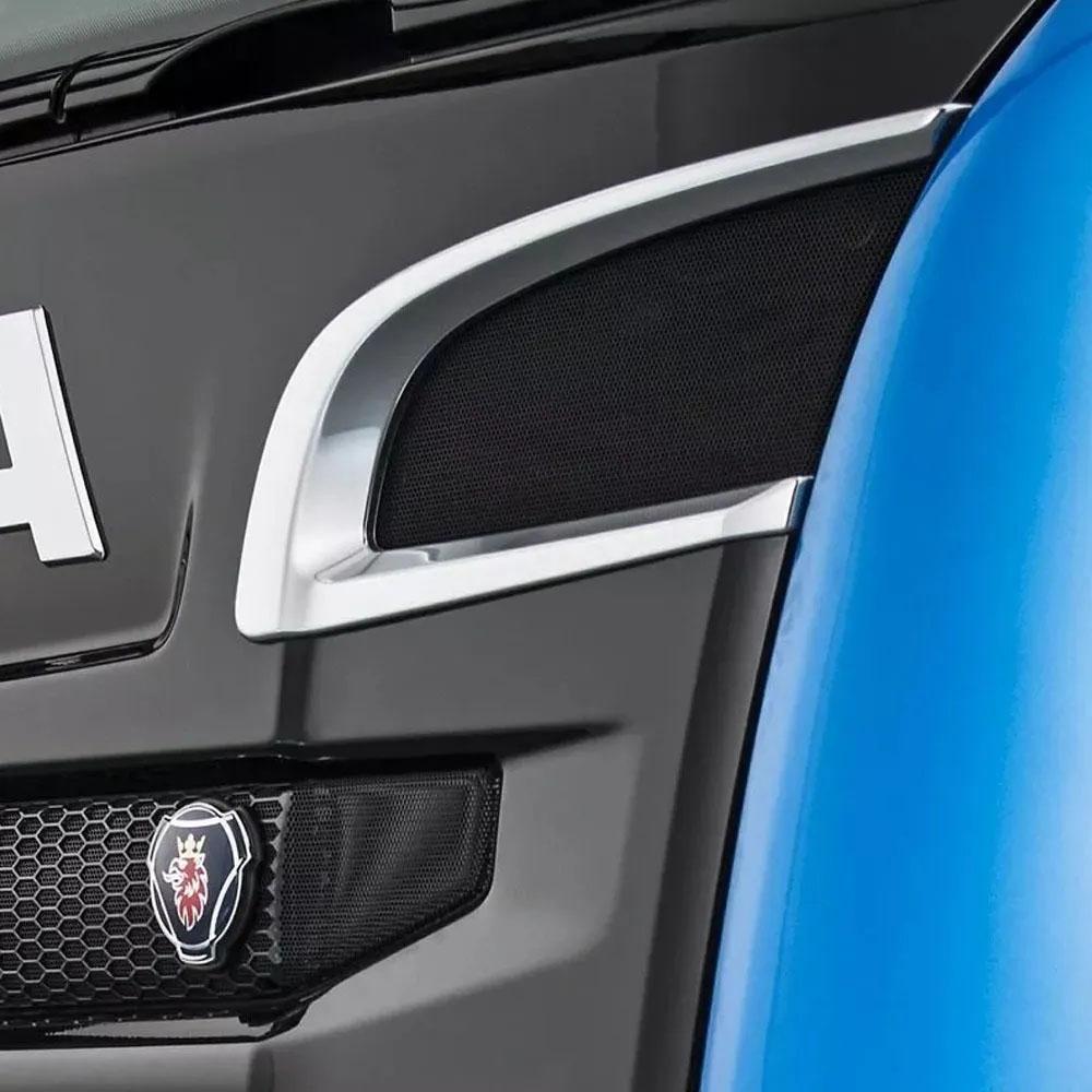 Par de Acabamentos Entrada de Ar Cromado para Caminhão Scania P S5 Moderno