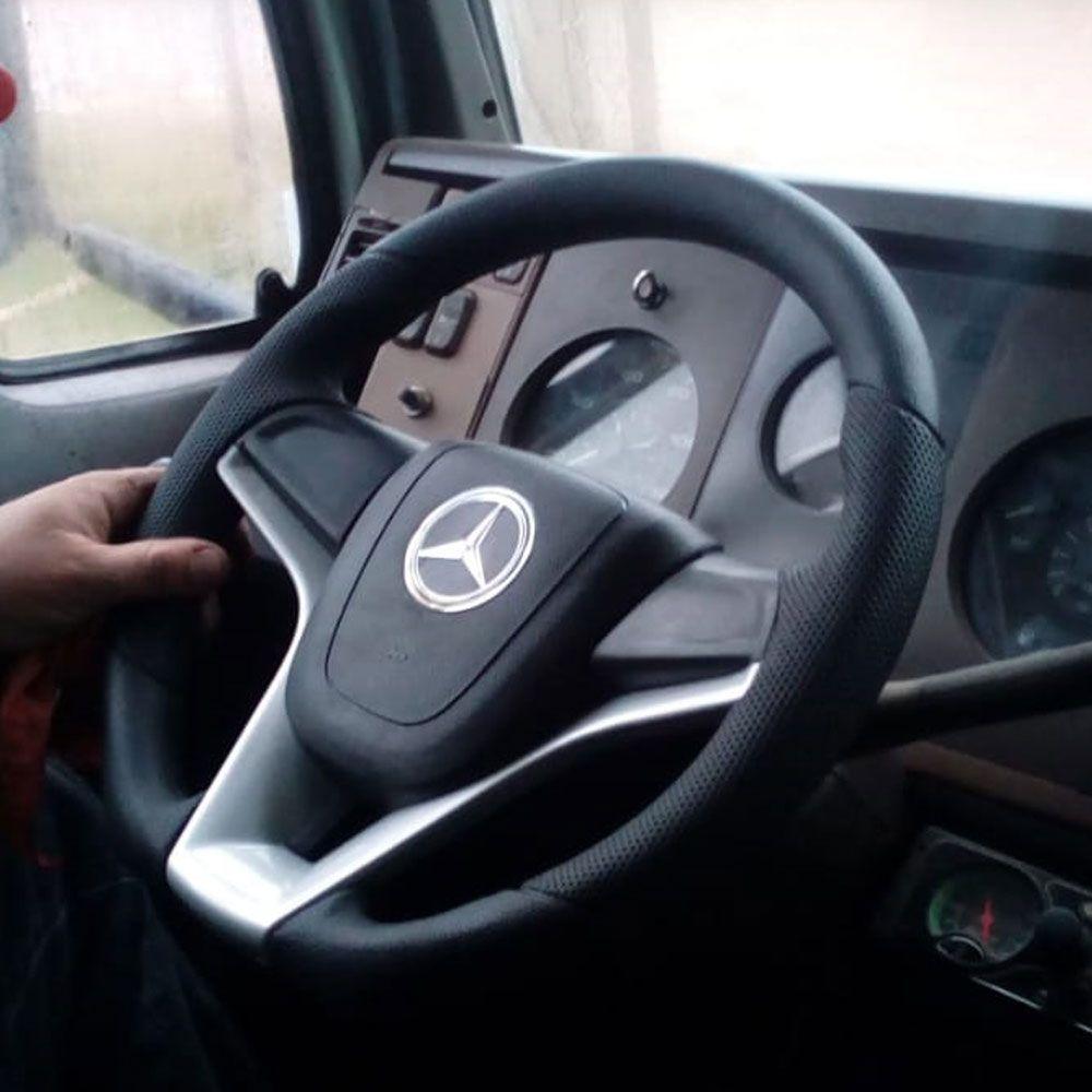 Volante esportivo para caminhão MB Atego c/cubo mod Cruze
