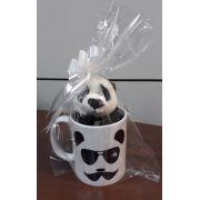 Caneca de Porcelana 330ml com Ursinho de Pelúcia Panda 15cm com a frase: Sr. estou sempre CERTO!