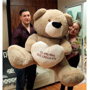 Urso de Pelúcia BIG Teddy Areia Gigante Grande 1,30 metros ou 130cm de largura + Coração Te Amo Mais que Chocolate! Este é O presente ideal para os casais mais apaixonados!