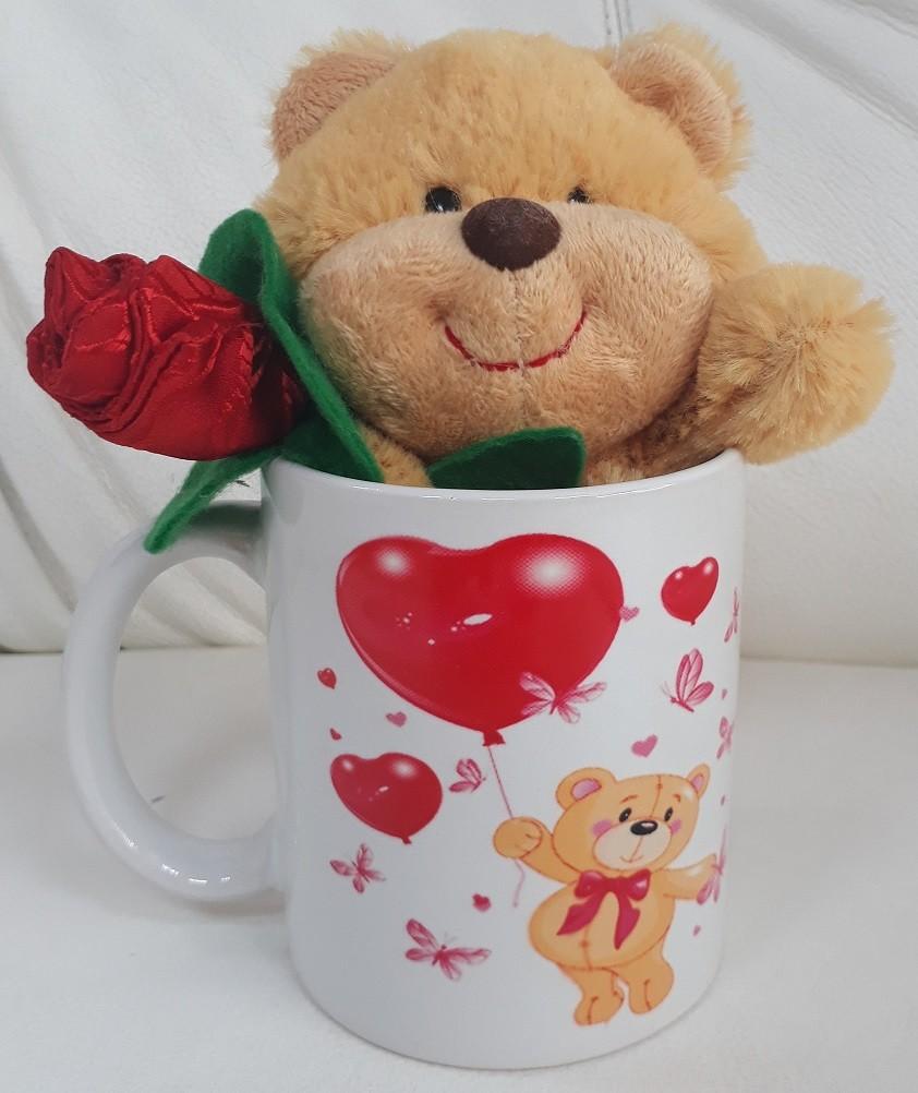 Caneca de Porcelana 330ml com Ursinho Romântico de Pelúcia 15cm Segurando uma Rosa Vermelha com a frase na caneca: I Love You !