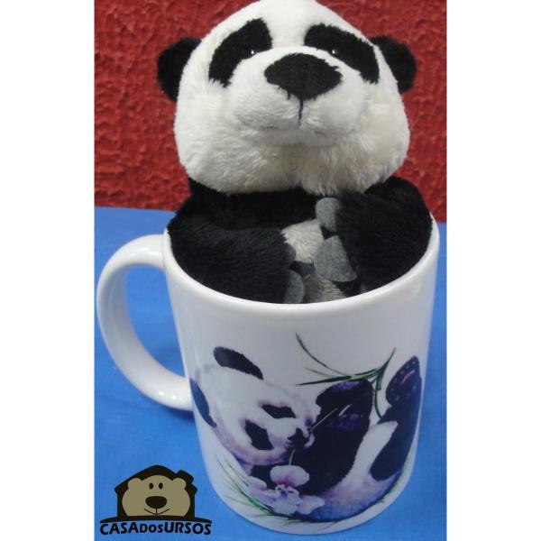 Caneca de Porcelana 330ml Ursinho com a frase: Enjoy The Day  . Acompanha Pelúcia Panda 15cm