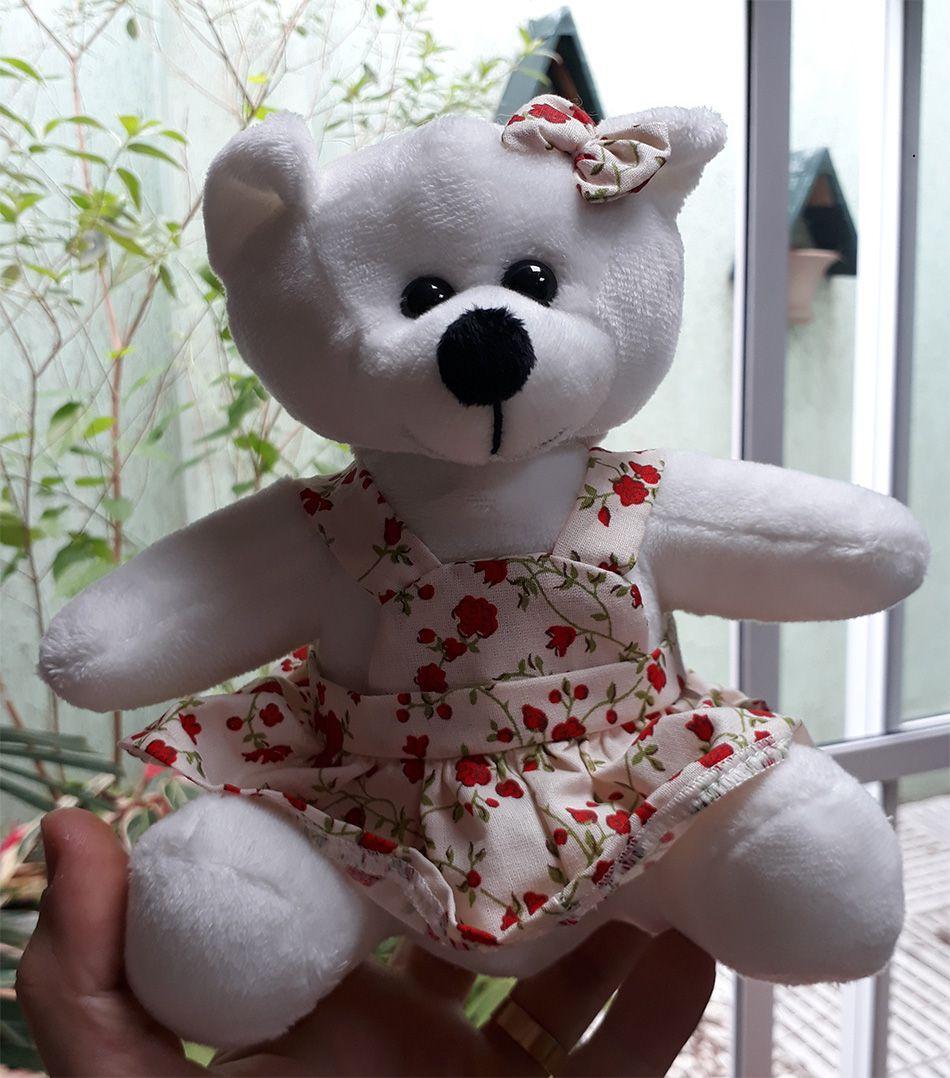 Mini Urso de Pelúcia Vestido Florido Flores 20cm - Ursinho Pequeno para decoração presente aniversário namorada artesanato enfeite quarto nicho decorações festas intantil bebê neném crianças