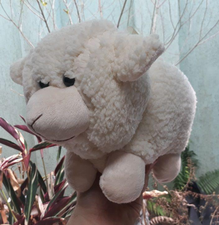 Ovelha de Pelúcia 35cm Animal Macio Safari Selva Decoração Festas Presente Namorada Aniversário Crianças Bebê Neném Nicho Quarto