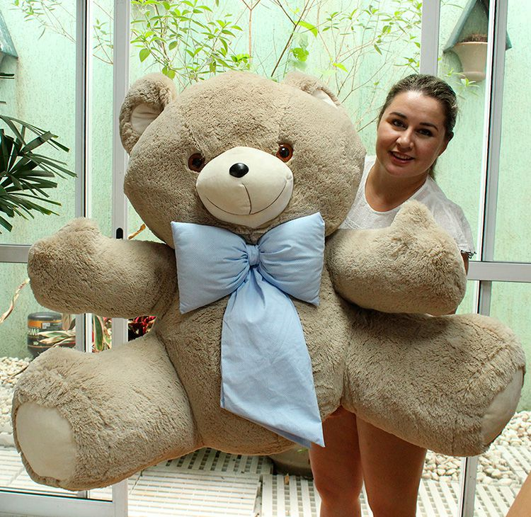 Urso de Pelúcia Areia Gigante Grande Dengo 1,10 metros ou 110cm de altura + Super Laço Azul ideal para presentear quem você ama!