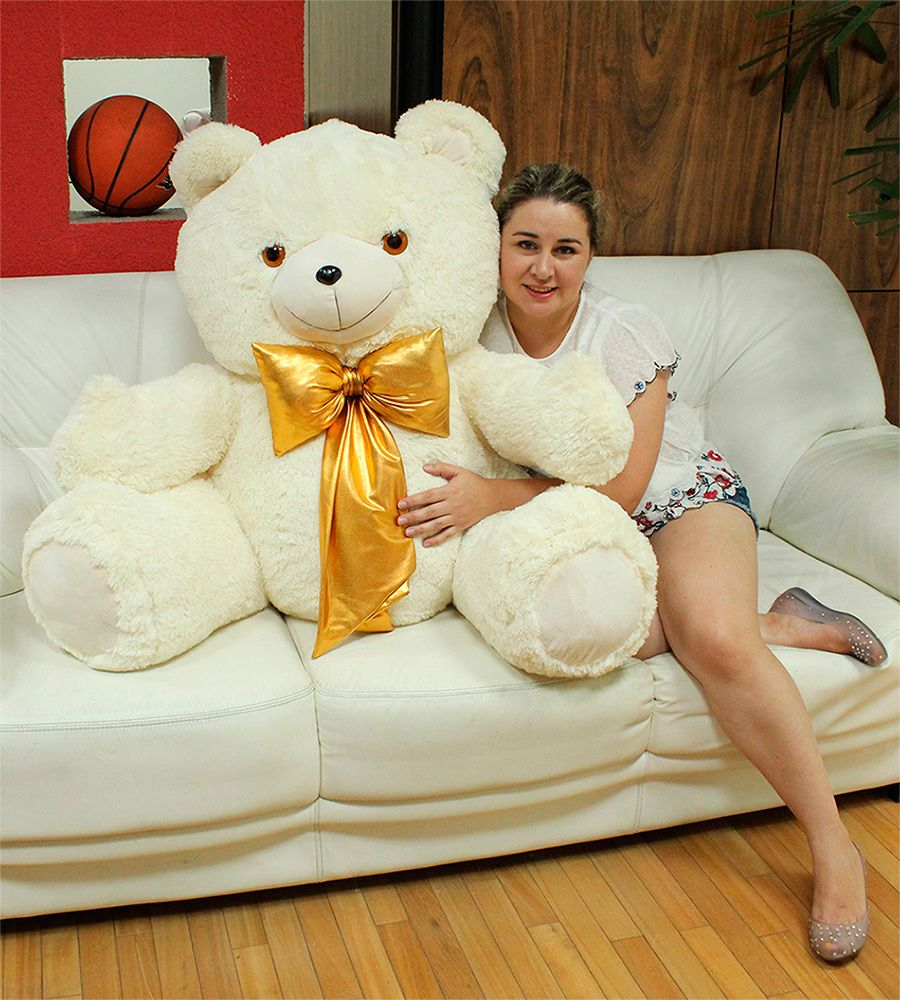 Urso de Pelúcia Creme Gigante Grande Dengo 1,10 metros ou 110cm de altura + Super Laço Dourado ideal para presentear quem você ama!