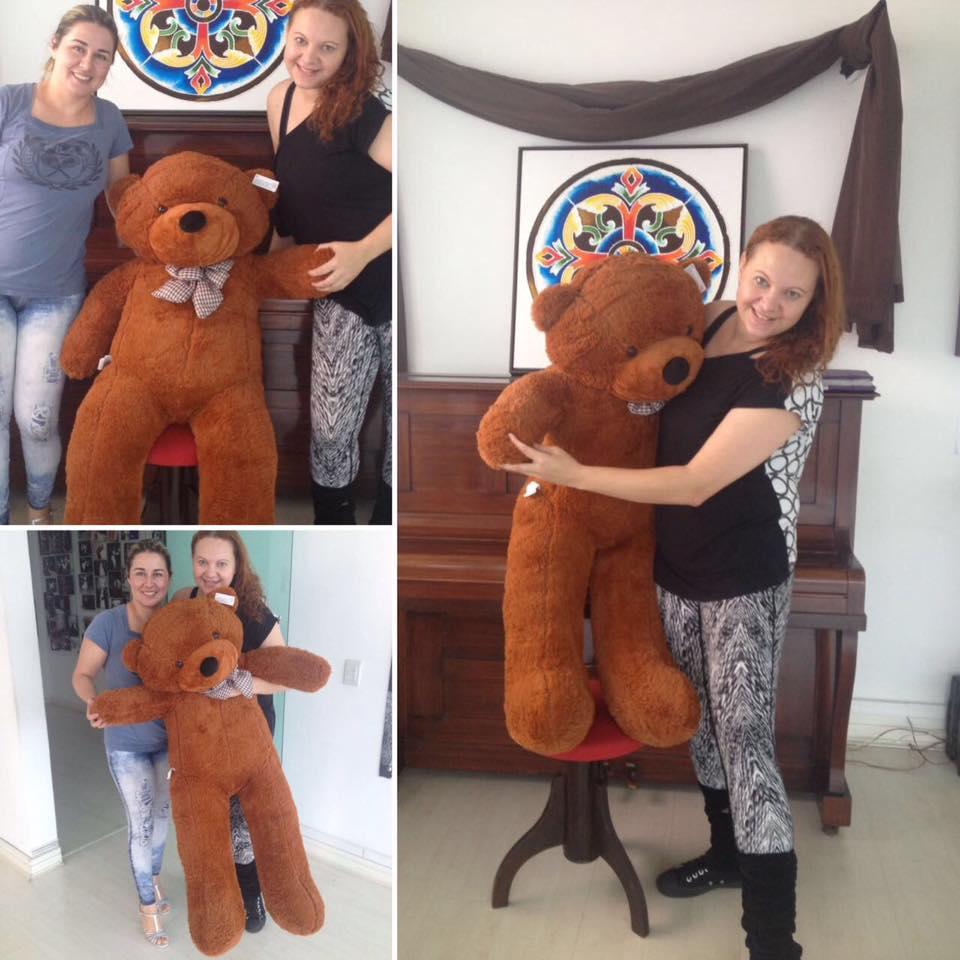 Urso de Pelúcia Marrom Café Gigante Grande 1,30 metros ou 130cm de altura + Coração Romântico