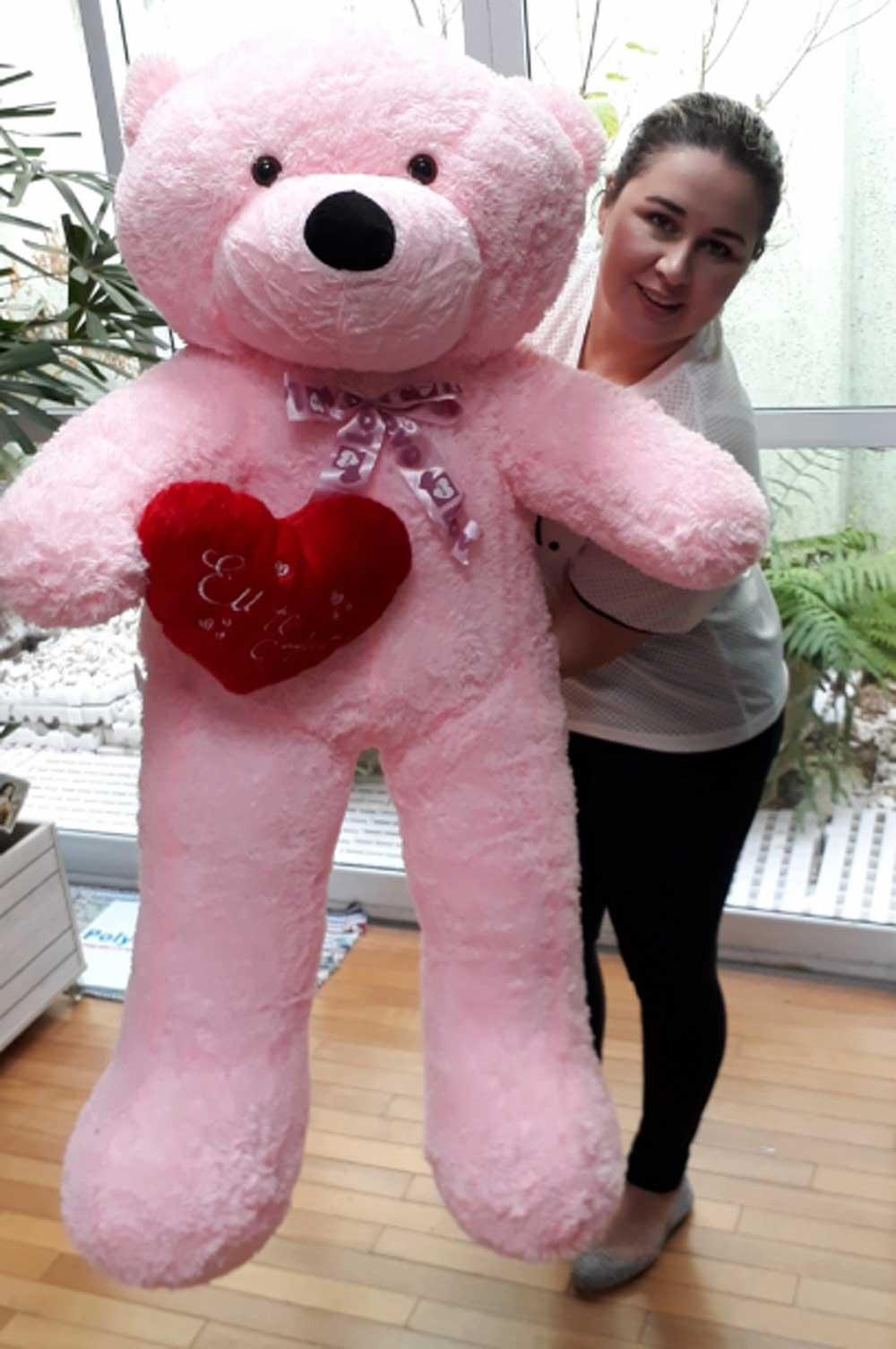 Urso de Pelúcia Rosa Gigante Grande 1,40 metros ou 140cm de altura + Coração Romântico