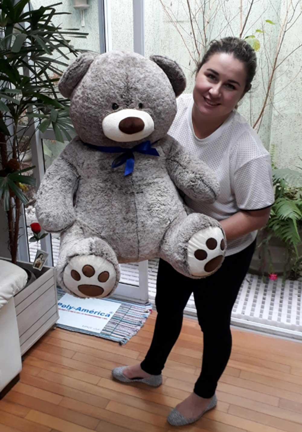 Urso de Pelúcia Mesclado Cinza Grande 80cm x 70cm bem Cheio com Gravata Azul e 2 Rosas Vermelhas em Feltro de Alta Qualidade ideal para presentear a namorada!