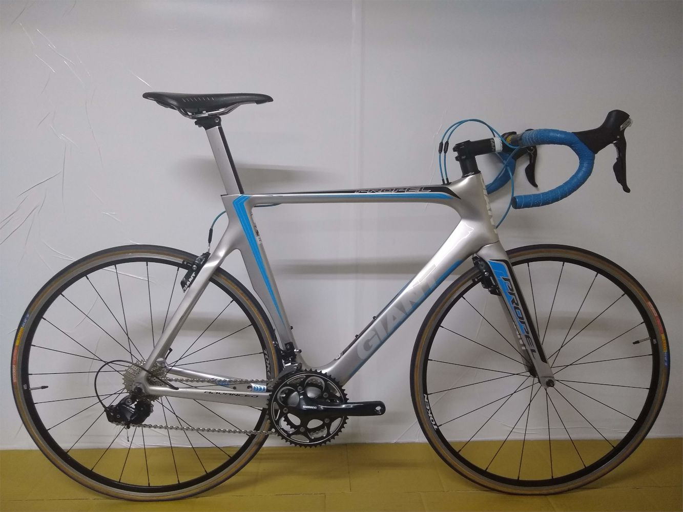 GIANT PROPEL ADVANCED - ARO 700 - 22V