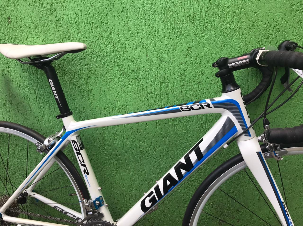 GIANT SCR 0 - ARO 700 - 30V