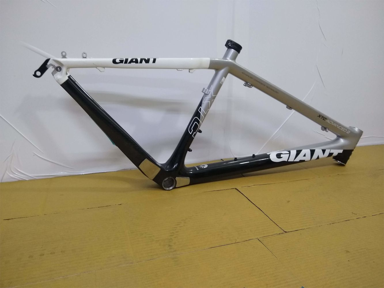 QUADRO GIANT - XTC ADVANCED CARBON - ARO 26