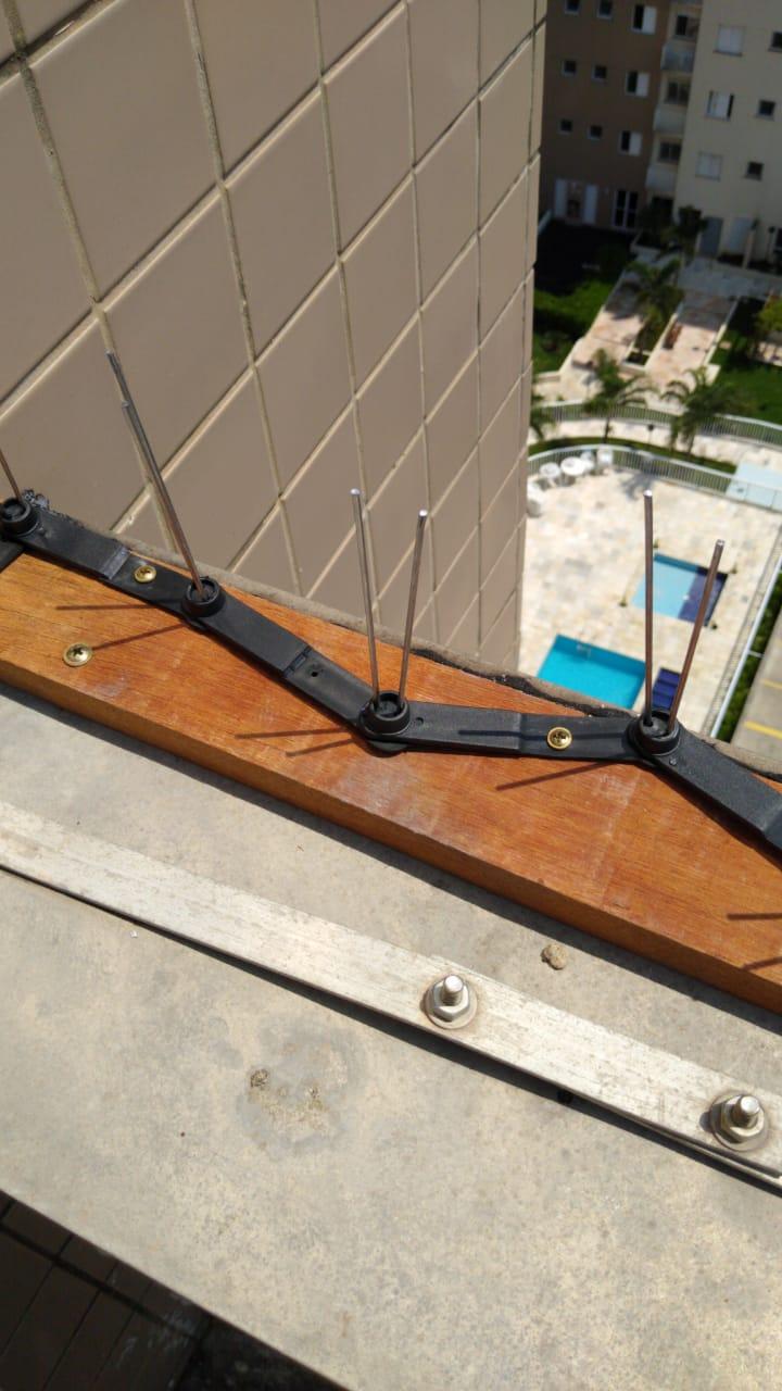 KIT 4 Caixas - Espícula Anti Pombo Zig-Zag Preta 56 metros