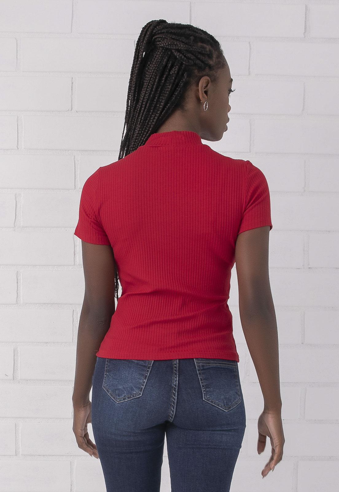 Blusa Manga Curta Com Gola Vermelha PKD