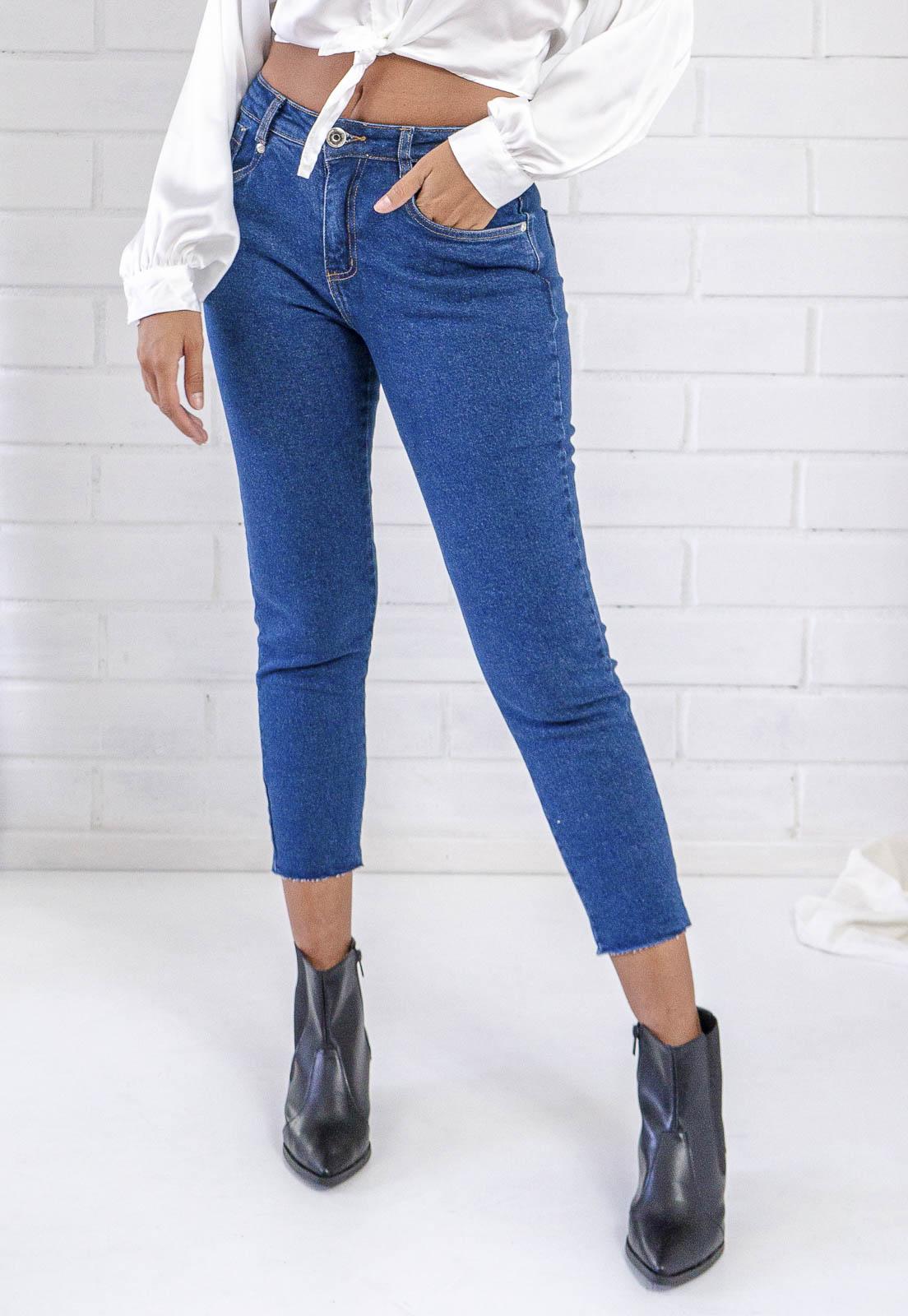Calça Jeans Cropped Com Elastano Escura Pkd