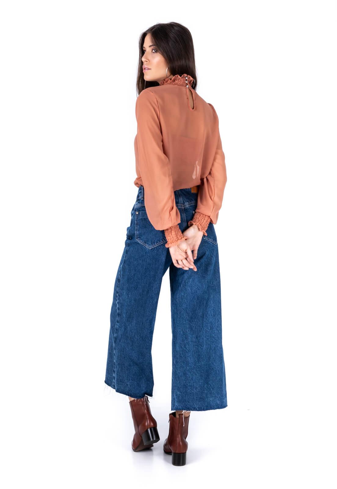 Calça Pantacourt PKD Botões Encapados Jeans Escuro
