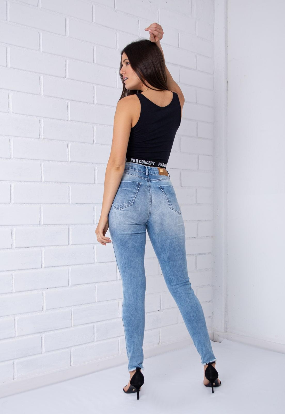 Calça Skinny Com Botões Encapados Destroyed Jeans Claro Pkd