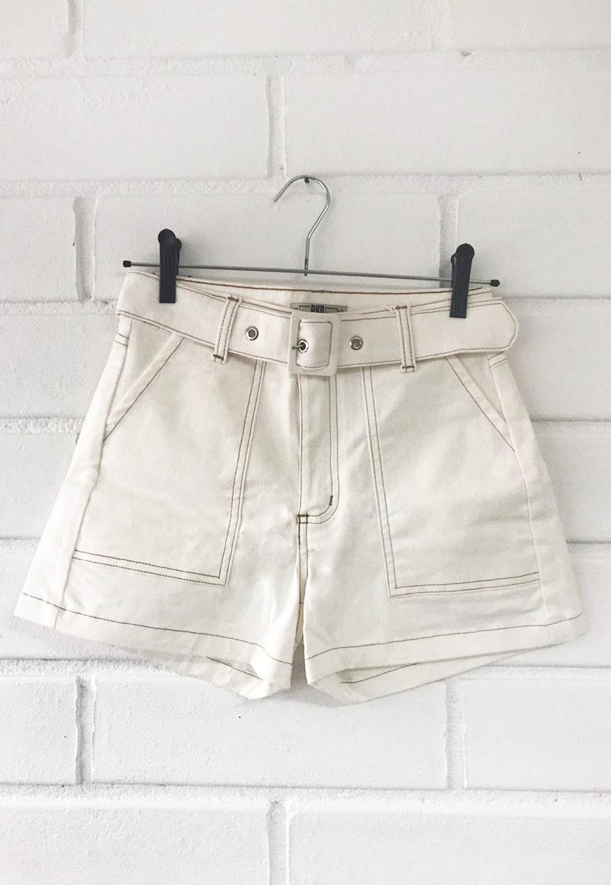 Shorts Pkd pespontado com cinto Encapado Off White