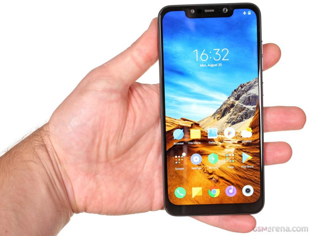 Smartphone Xiaomi Poco F1 6GB Ram Tela 6.18 64GB Camera Dupla 12+5MP - Preto