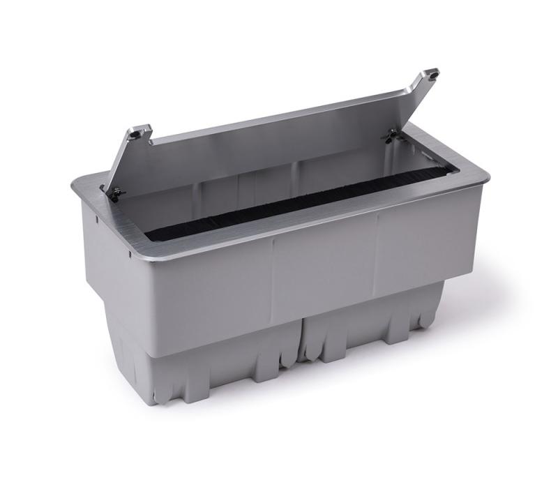 Caixa De Tomada Alumínio Anodizado 7 Tomadas, 1 Rede Cat5 - M74