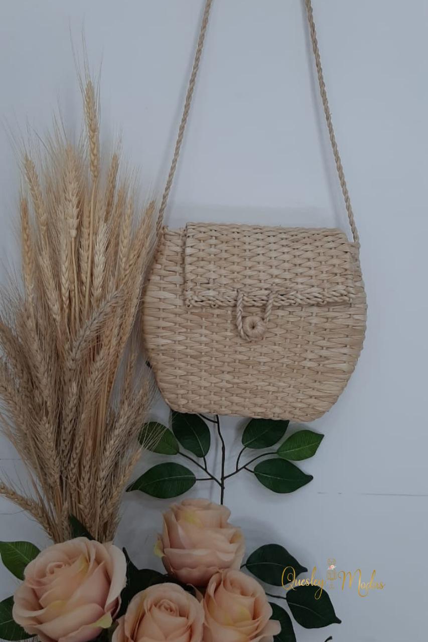 Bolsa feminina feita a mão palha Quesley Modas