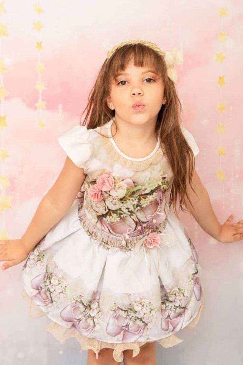 Conjunto infantil Saia e Blusa bordada moda evangélica