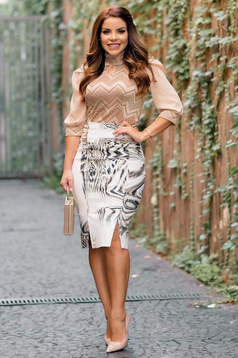 Saia feminina estampa exclusiva kauly com detalhes laterais moda evangélica