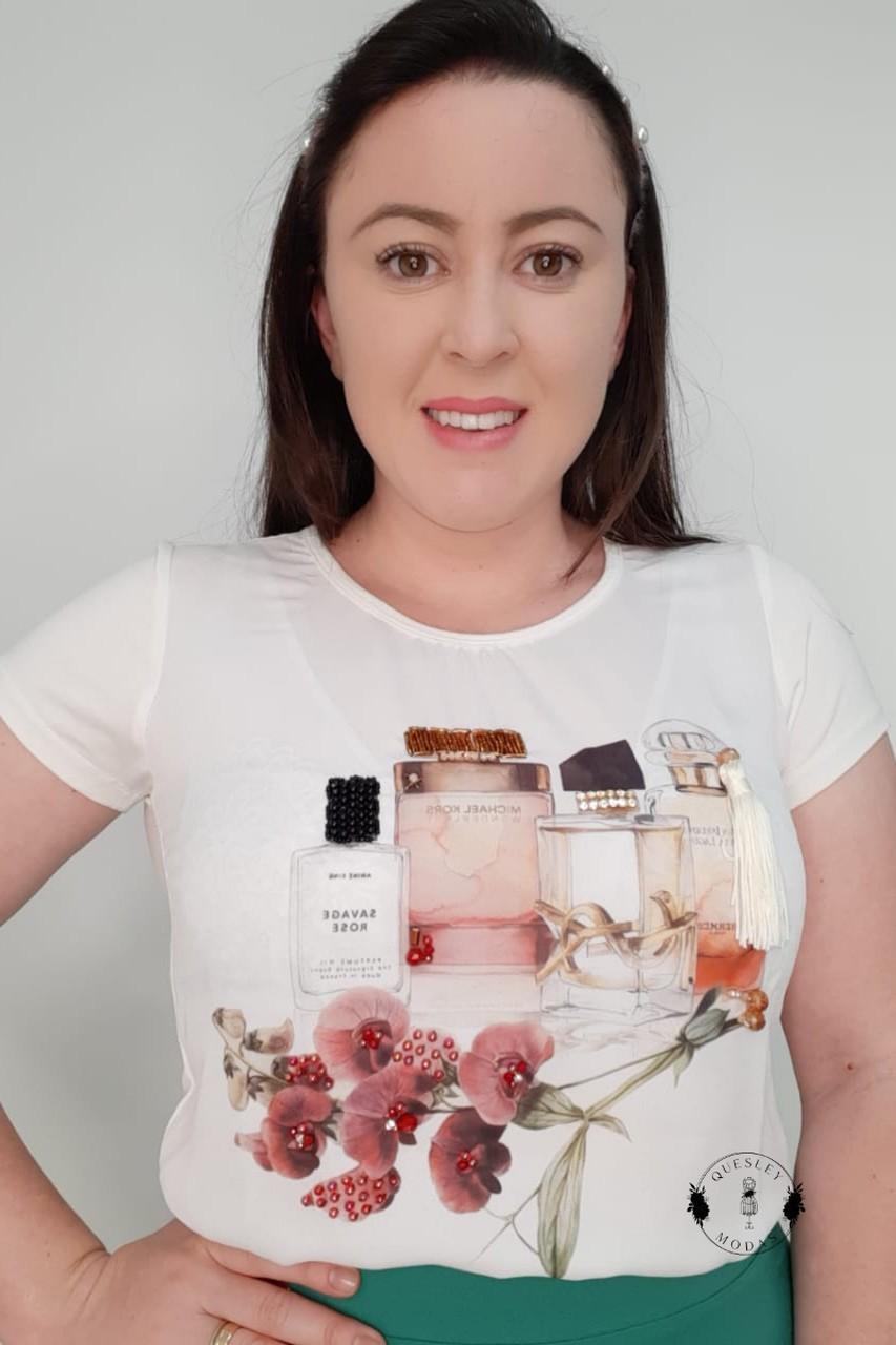 T-Shirt Feminina bordada com pérolas estampa exclusiva Moça Perfume Victórias Princess