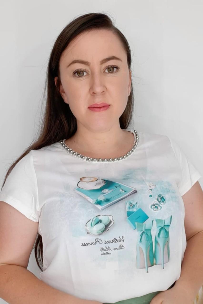 T-Shirt Feminina bordada com pérolas estampa exclusiva Revista Tiffany Victórias Princess