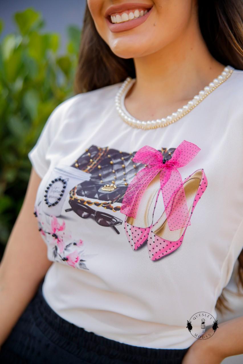 T-Shirt Feminina bordada com pérolas estampa exclusiva Sapato Pink Victórias Princess