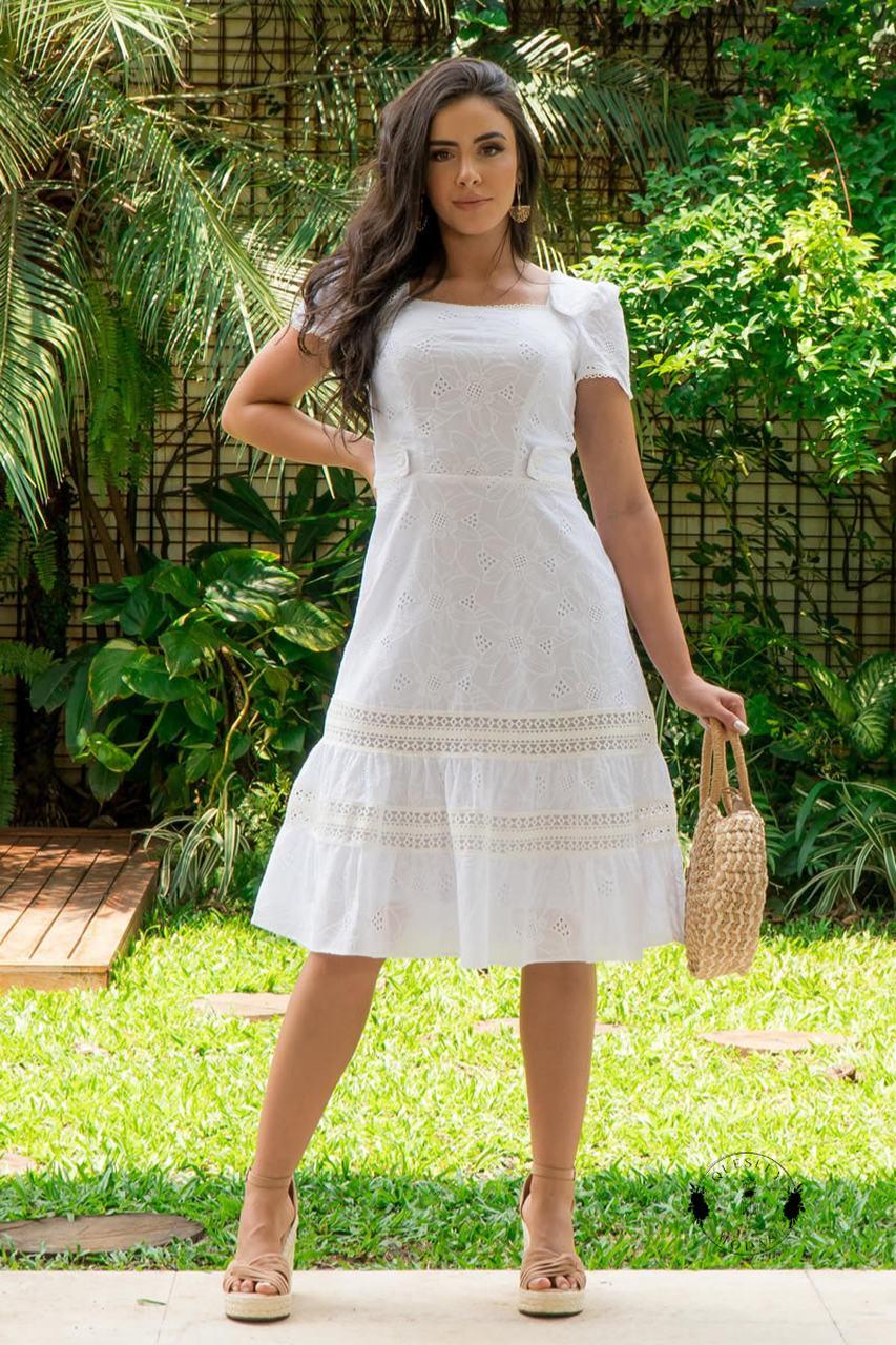 Vestido feminino em laise com detalhes em renda Luciana Pais