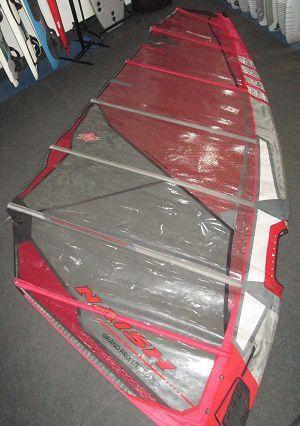 Vela de Windsurf Naish Grand Prix 7.0 usada - R$ 1500 à vista
