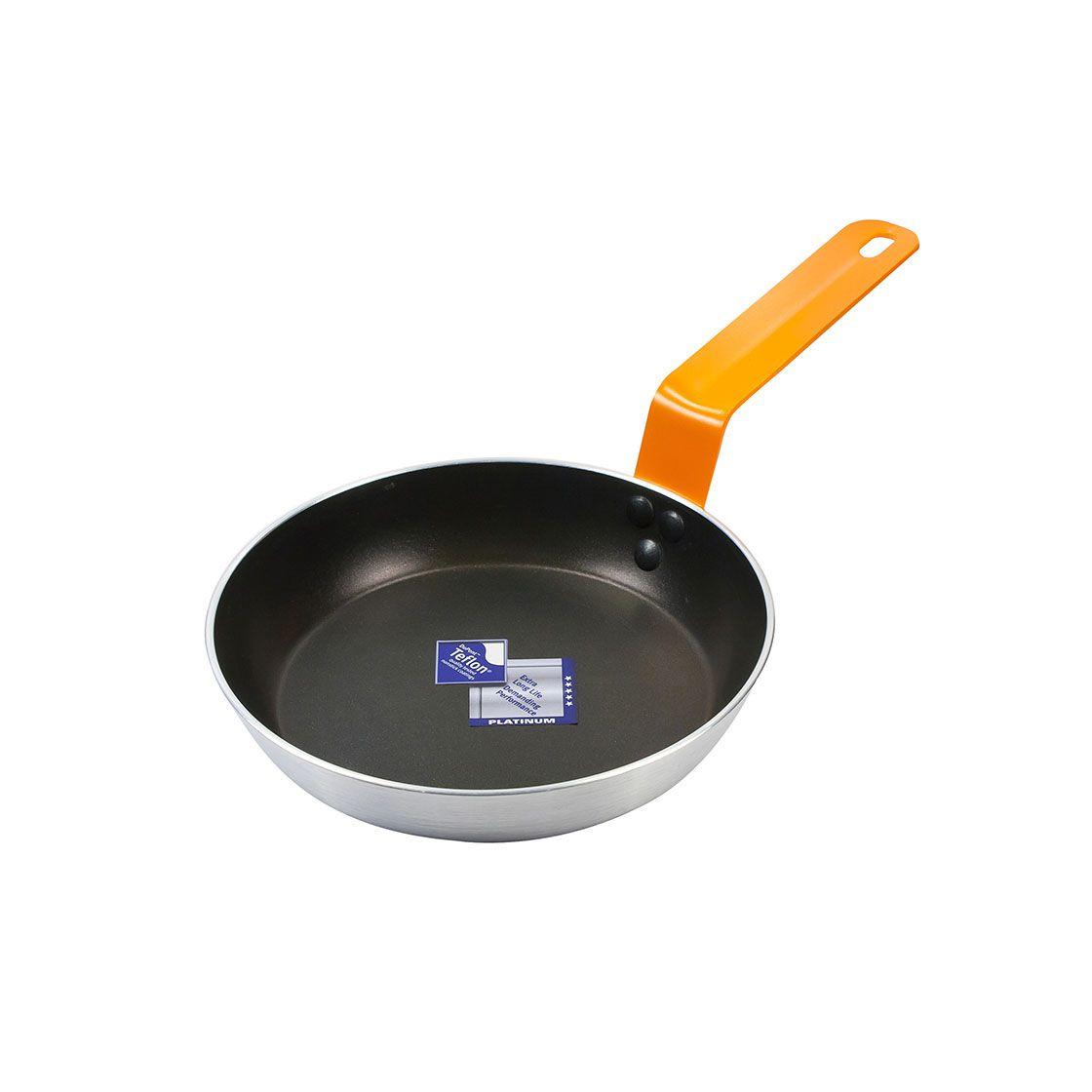 Frigideira de Aço Polido 3Mm Teflon Platinium Gourmet Preta Wow 18Cm