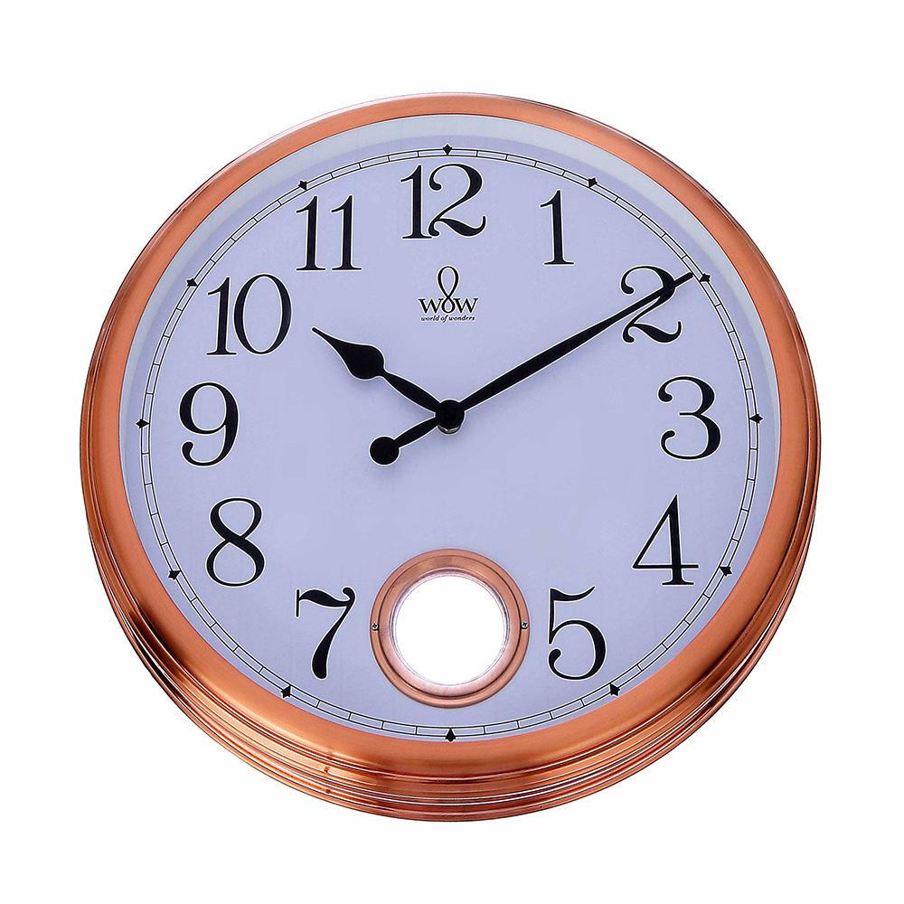 Relógio para Parede de Plástico com Pêndulo e Aro Externo Acobreado 44Cm